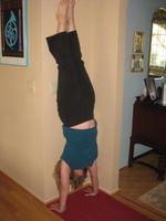 Bonnie_handstand 2